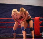 Nikky Thorne VS Nataly Von 10