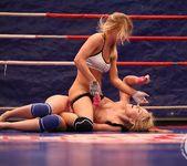 Nikky Thorne VS Nataly Von 13