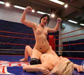 Lucy Bell VS Paige Fox 17
