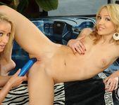 Kathia Nobili, Nataly Von 18