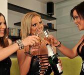 Sheila, Nicole, Kelly 2