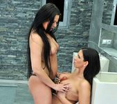 Lisa Sparkle, Simony Diamond 8