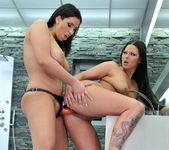 Lisa Sparkle, Simony Diamond 13