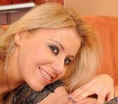 Nikky Thorne, Bijou - 21 Sextury 15