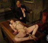 Kathia Nobili, Jeanine Hot 16