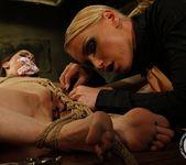 Kathia Nobili, Jeanine Hot 19