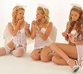 Sophie Moone, Antonya, Bibi Noel 4