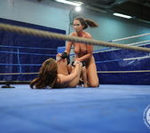 Eliska Cross vs Lisa Sparkle 15