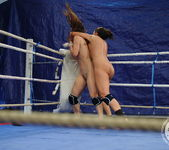 Eliska Cross vs Lisa Sparkle 16