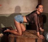 Mandy Bright, Jesika Gold 8