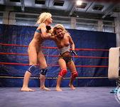 Bianca Arden VS Anita Hengher 13