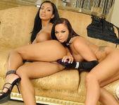 Christina Bella, Kyra Black 18