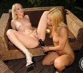 Blond Cat, Nikky Thorne 7