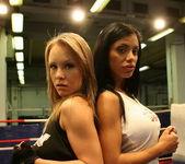Jessica Moore, Kyra Black 3