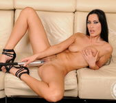 Cindy Hope, Carmen Rose 8
