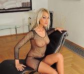 Gladys Laroche - 21 Sextury 4