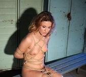 Mandy Bright, Hadjara 6
