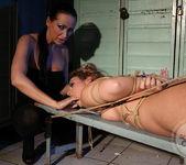Mandy Bright, Hadjara 13