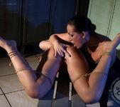 Mandy Bright, Hadjara 15