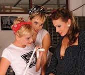 Sandy, Kathia, Aleska - Club Sandy 10
