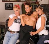 Sandy, Kathia, Aleska - Club Sandy 12