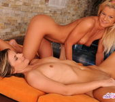 Carolin, Bianka - Club Sandy 19