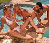 Sandy, Natalli DiAngelo, Naomy 6