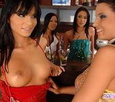 Lucy Belle, Angelica, Debora, Vi 4