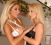 Jasmin & Clara G. - Club Sandy 2