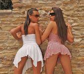 Zafira, Ciara Bugatti - Club Sandy 2