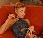 Anetta Keys - roses & pussy 8