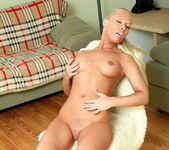 Nadia Anal Toying - Cuties Galore 6