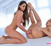 Cathy Heaven & Colette W. Licking Pussy 6