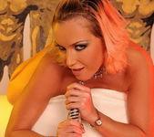 Horny Lesbians Kathia Nobili & Colette W. 17