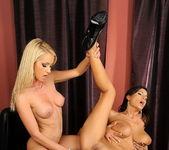 Alexa Weix & Janelle Eating Pussy 15