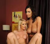 Alexa Weix & Janelle Eating Pussy 20