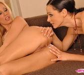 Horny Lesbians Sandy & Cameron Cruz 10