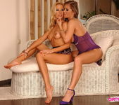Sandy & Rita Faltoyano Lez Action 20