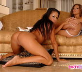 Dirty Lesbians Hannah Hunter & Pocahontas 9