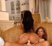 Dirty Lesbians Hannah Hunter & Pocahontas 18