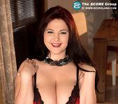 Ann Calis - Top Heavy Table Topper - ScoreLand 6
