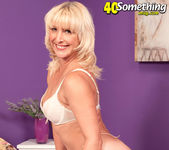 Andi Roxxx Interview - 40 Something Mag 12