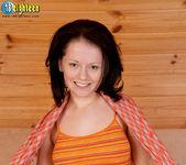 Viktoria - Curvy Cummer - 18eighteen 4