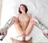 Raylin Ann - Wet & Shiny Pussy - Lubed 14