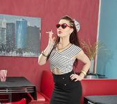 Jessica Ryan Smoking Fetish - Spizoo 4