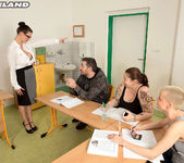 Vanessa Y. - Hot For Teacher - ScoreLand 9