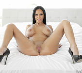 Veronica Rayne - Slippery Curves - Pure Mature 18
