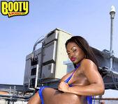 Jada Fire - Rooftop Rump - Bootylicious Mag 15