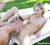Bella Rose - Courtyard Pounding - Real Ex Girlfriends 19
