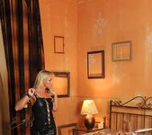 Britney, Kathia Nobili - Perverted dreams 9